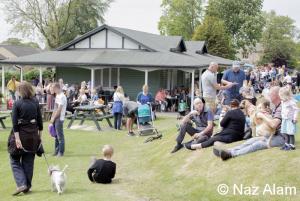 Crowds at the Pavilion Cafe